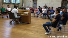 +++Nur im Rahmen der abgesprochenen Berichterstattung zu verwenden!+++ die Teilnehmer beim Singen im general Probe ©Rama Jarmakani