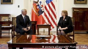Un momento de la reunión entre Pence y Bachelet.
