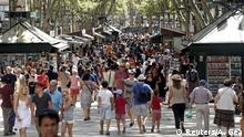 La Rambla an einem normalen Tag: Zehntausende flanieren täglich über die Prachtmeile