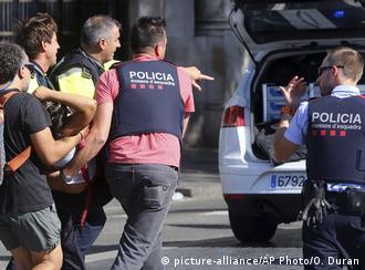 """""""A maioria dos feridos não podia se levantar e havia muita gente ensanguentada"""", conta testemunha"""