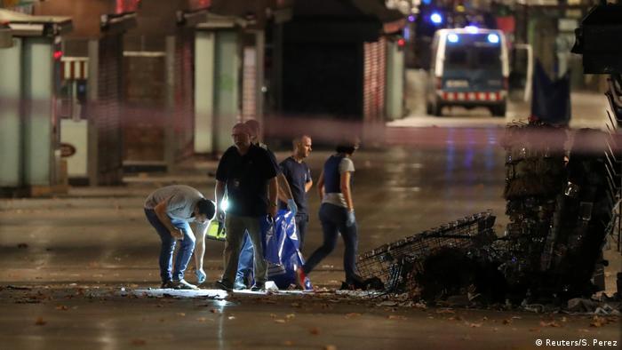 Spanien Polizeiuntersuchung nach Terroranschlag in Barcelona (Reuters/S. Perez)