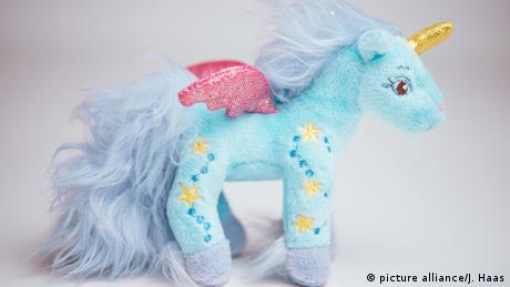 Stuffed toy unicorn (picture alliance/J. Haas)