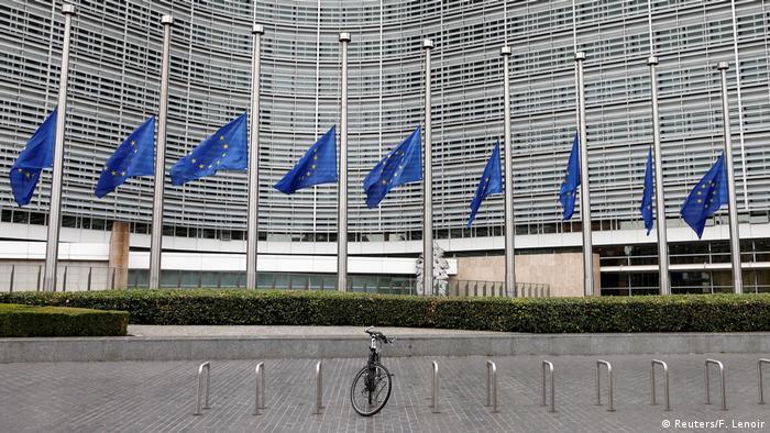 EUROPA AL DÍA: Comisión Europea eleva previsión de crecimiento en eurozona