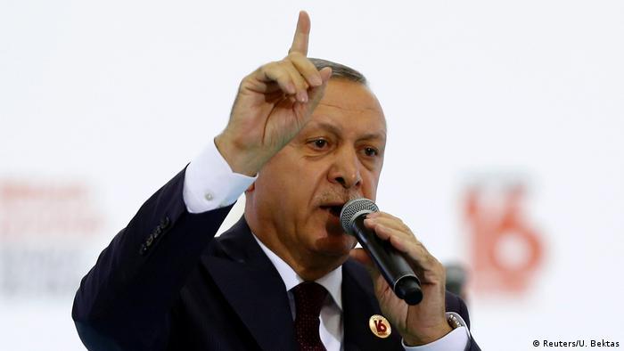 Recep Tayip Erdogan hält Rede in Ankara (Reuters/U. Bektas)