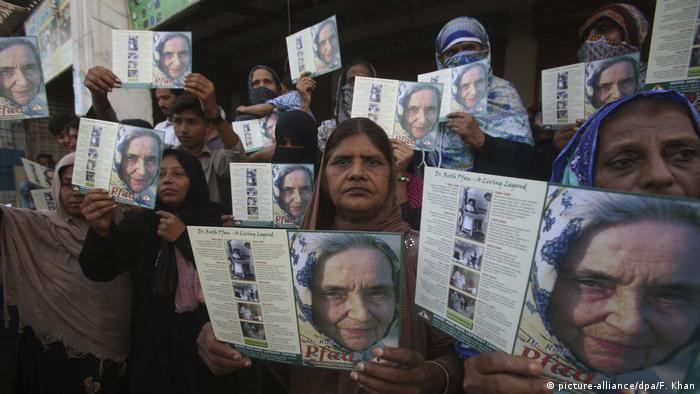 Pakistan state funeral for Ruth Pfau (picture-alliance/dpa/F. Khan)