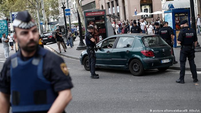 Barcelonal Polizei Sicherheit Terror Anschlag (picture-alliance/abaca/B. Akbulut)
