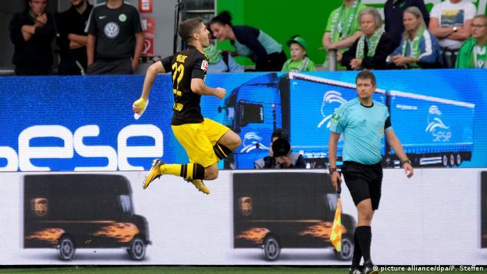 VfL Wolfsburg - Borussia Dortmund Christian Pulisic