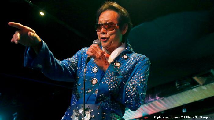 Philippinen Elvis-Contest in Makita - Bongo Jaim Lim