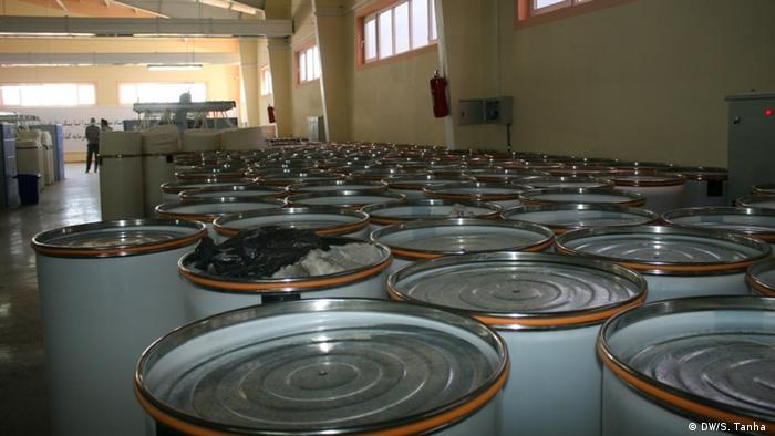 Afghanistan Jacht-Fabrik in Herat (DW/S. Tanha )