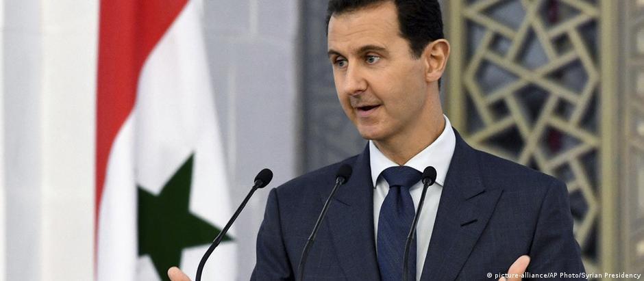 """Assad recebeu homenagem francesa por sua """"atitude reformista"""""""