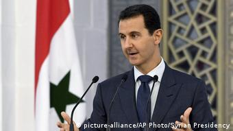 Syrien Präsident Assad - Rede vor Diplomaten in Damaskus (picture-alliance/AP Photo/Syrian Presidency)