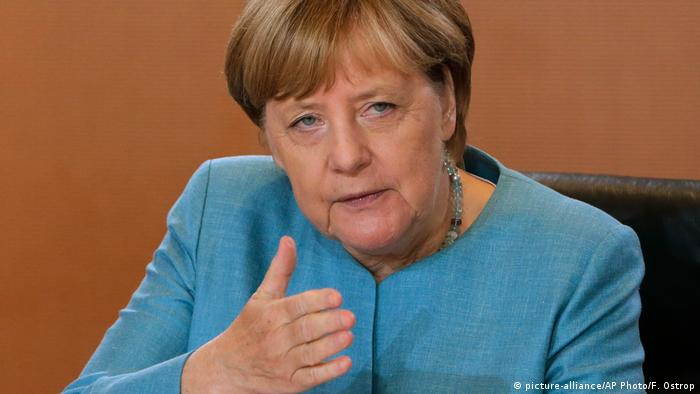 Bundeskanzlerin Angela Merkel (picture-alliance/AP Photo/F. Ostrop)