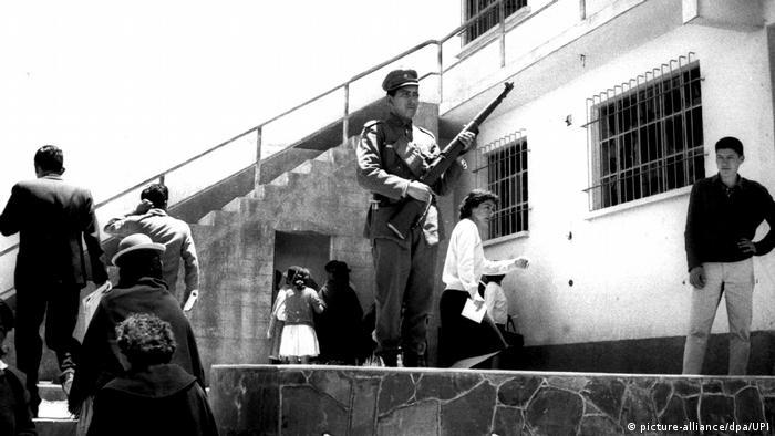 Unruhen in Bolivien - Militär übernimmt die Macht (picture-alliance/dpa/UPI)