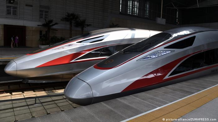 Chinese Fuxing fast trains