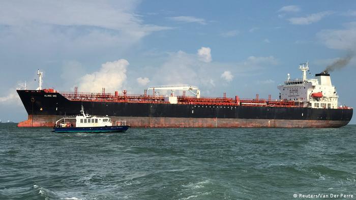 Tanker Alnic MC nach Kollision mit U.S. Navy USS John S. McCain (Reuters/Van Der Perre)