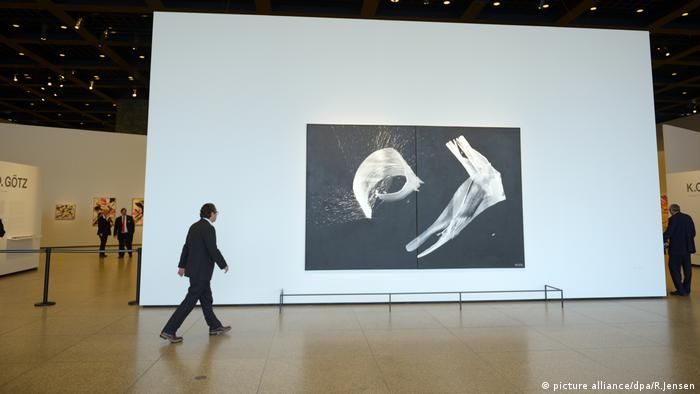 Karl Otto Götz exhibition at the Neue Nationalgalerie in Berlin (picture alliance/dpa/R.Jensen)