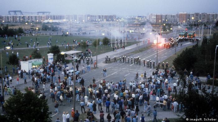 Ausschreitungen Rostock Lichtenhagen 1992