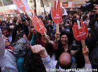 Freude bei den Abtreibungs-Befürwortern nach der Entscheidung des Verfassungsgerichtes