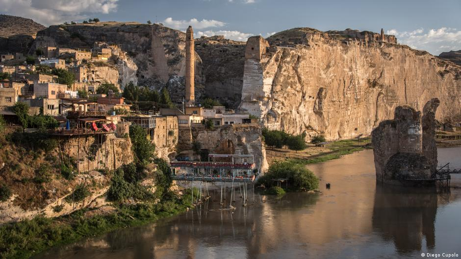 Ancient settlement primed for flooding in Turkey   Europe   DW   23.08.2017