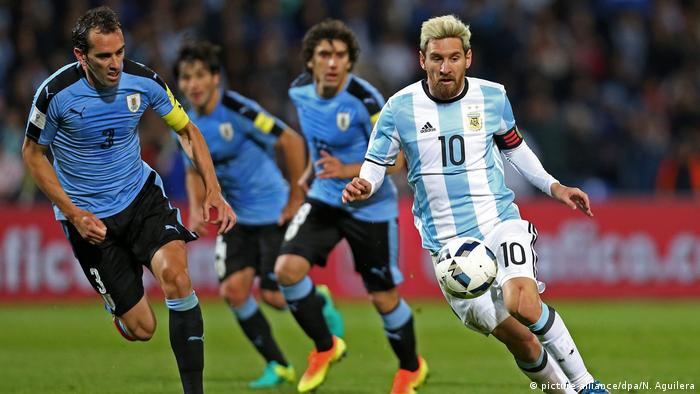 Fußball WM Qualifikation Argentinien - Uruguay (picture-alliance dpa N.  Aguilera. Eight teams have ... 7e8d4ab3e