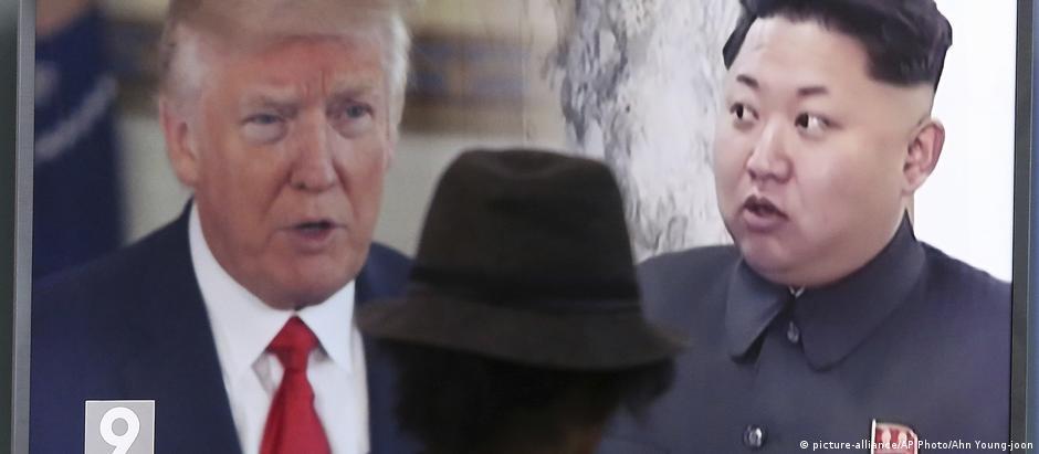 Televisão sul-coreana exibe imagens do presidente Trump e do líder norte-coreano, Kim Jong-un