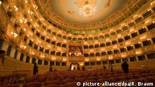Der Große Saal mit Logen im Teatro La Fenice in Venedig. | Verwendung weltweit
