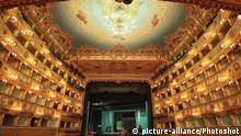 Italien Theater La Fenice in Venedig nach dem Brand vor 20 Jahren