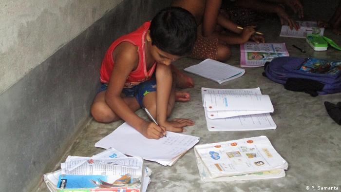 Indien | Clean India Mission in Schulen (P. Samanta)