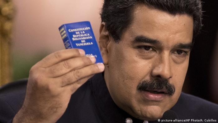 Venezuelas Staatschef Nicolas Maduro (picture-alliance/AP Photo/A. Cubillos)