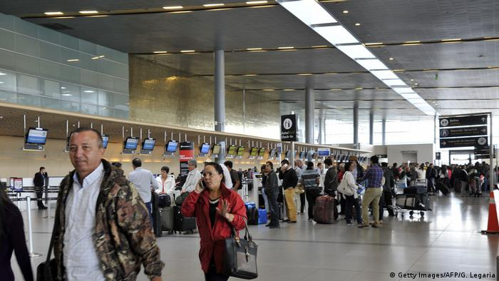 Kolumbien Flughafen El Dorado in Bogota (Getty Images/AFP/G. Legaria)