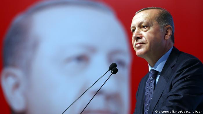 Türkei Recep Tayyip Erdogan in Istanbul (picture-alliance/abaca/K. Ozer)