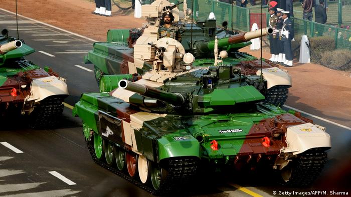 Indischer Panzer T-90 (Getty Images/AFP/M. Sharma)