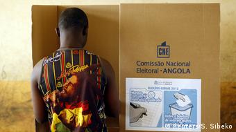 Angola Präsidentschaftswahlen Wahllokal Wähler