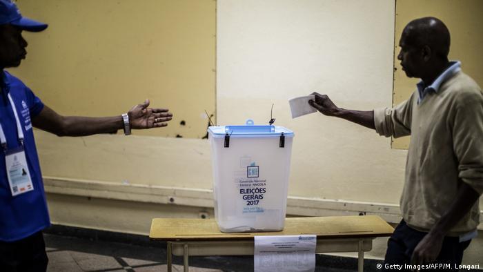 Angola Luanda Präsidentschaftswaahlen Wähler Wahllokal