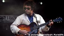 Miles Michaud Sänger der US-Band Allah-Las (picture-alliance/dpa/H. Marie/EPA)