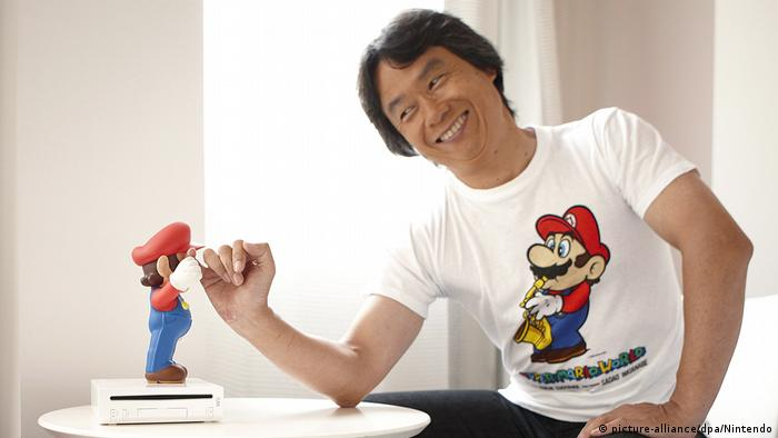 Super Mario und his creator Shigeru Miyamoto (Foto: picture-alliance/dpa/Nintendo)