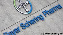 Die Außenwerbung der Bayer Schering Pharma-Niederlassung in Berlin, aufgenommen am 10.09.2008. Foto: Arno Burgi dpa +++(c) dpa - Report+++