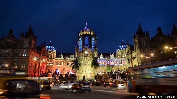 Indien Chhatrapati Shivaji terminus in Mumbai (Getty Images/AFP/P. Paranjpe)
