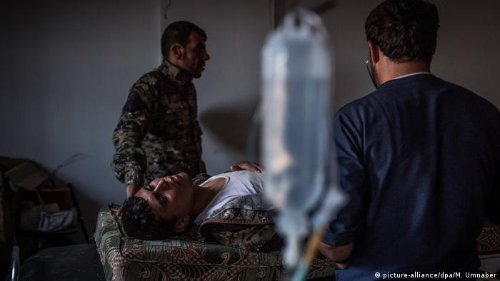 5. Bildergalerie Syrien Kriegsreportage aus der Todesfalle Rakka (picture-alliance/dpa/M. Umnaber)