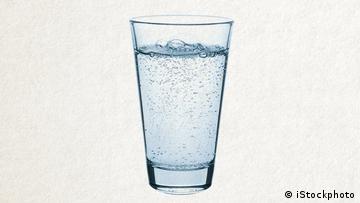 Deutschkurse | Wortschatz | WBS_Foto_Mineralwasser