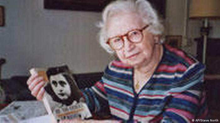 miep gies and anne frank Miep gies hid the frank family for years, helped them survive, and even saved anne frank's diary from falling into nazi hands, despite facing persecution of her own and death should anyone find out.