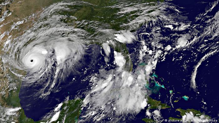 Satellite picture of Hurricane Harvey (picture-alliance/ZUMA Wire/Noaa)