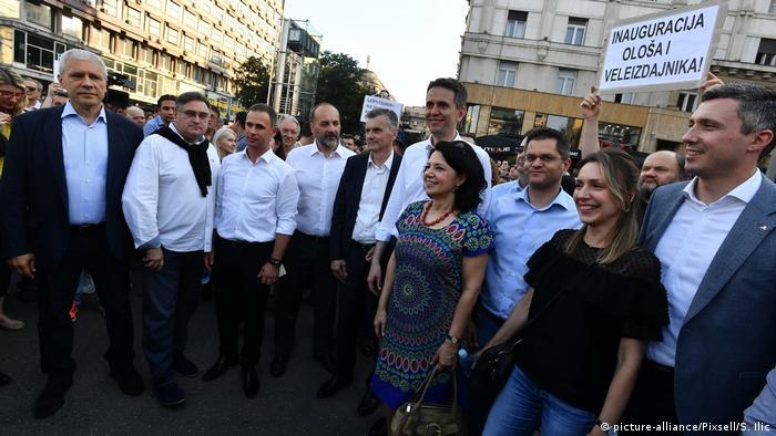 Serbien Protest der Opposition gegen Präsident Aleksandar Vucic