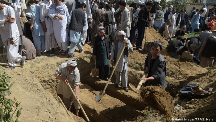 Afghanistan nach Anschlag auf Moschee in Kabul (Getty Images/AFP/S. Marai)