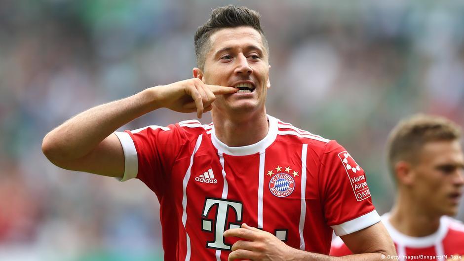 e9c14a2af399 Best of Bundesliga  Robert Lewandowski s goal battle with Pierre-Emerick  Aubameyang continues