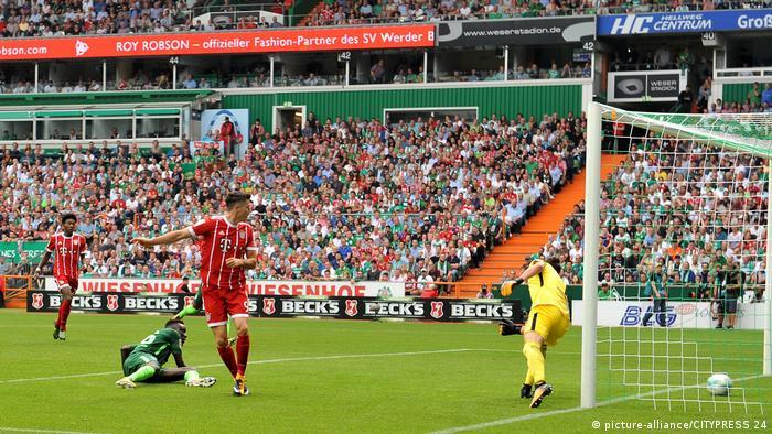 Bundesliga Bremen vs Bayern, 1. BL Lewandowski Tor (picture-alliance/CITYPRESS 24)