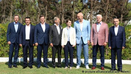 """Το βαλκανικό θαύμα: Προς μια """"μίνι-ΕΕ"""";"""
