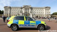 A police vehicle patrols outside Buckingham Palace in London, Britain August 26, 2017. REUTERS/Paul Hackett