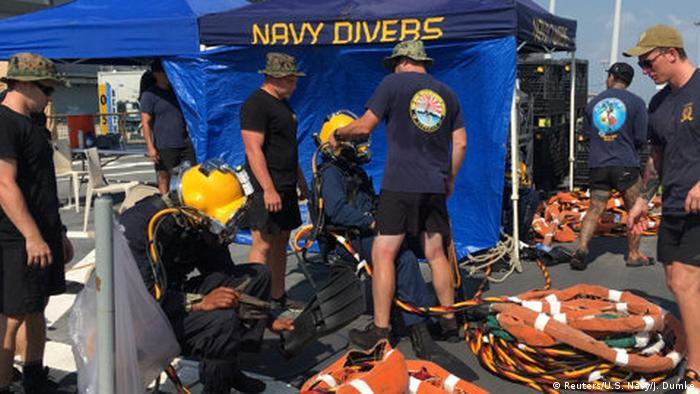 La Marina de Estados Unidos confirmó hoy que han recuperado los cuerpos de 10 marinos fallecidos tras la colisión la semana pasada del destructor USS John S. McCain con un carguero en aguas cercanas a Singapur. (28.08.2017)