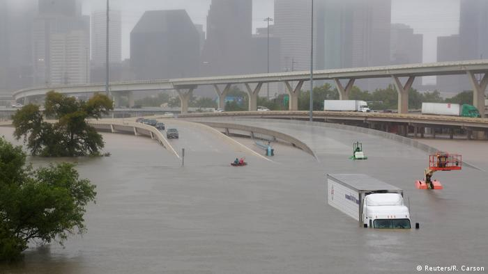 Interstate highway 45 is submerged from the effects of Hurricane Harvey (Reuters/R. Carson)